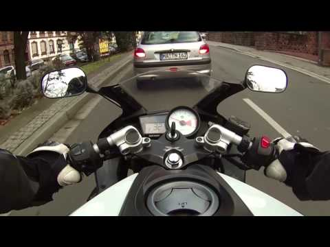 Yamaha YZF 125 (Aprilia RS 125) city ride [RAW] Angry Police