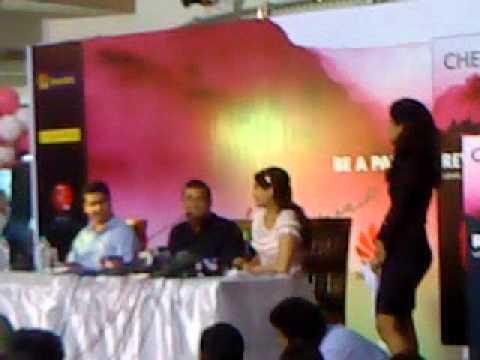 Sonam Kapoor at Chetan Bhagat's New Book Launch Fan Video