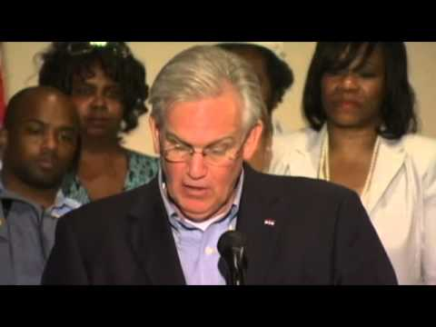 Missouri Jay Nixon declares State of Emergency, mandatory curfew in Ferguson
