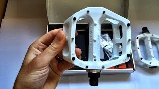 DMR V8 white MTB pedals - HD overview, unboxing, & how-to
