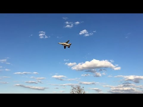 F-14 low pass in slow motion