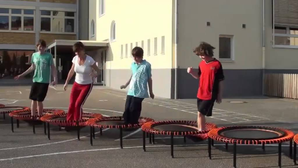 trampolin training f r kinder mit pellogs sylvia hauck. Black Bedroom Furniture Sets. Home Design Ideas