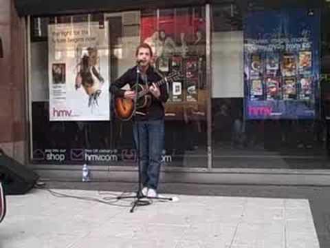 James Morrison busking in Birmingham city centre (Wishing Well)