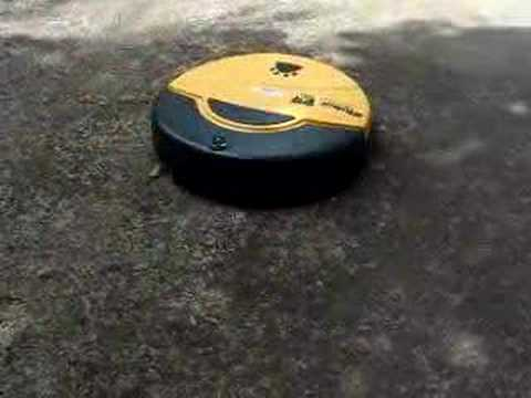 iRobot Dirt Dog - Picking up debris