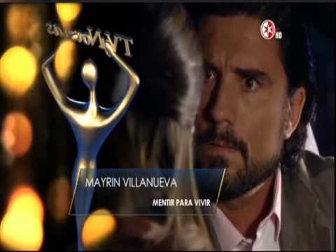 Marisol del Olmo y Arturo Peniche entregan premio a Mejor Actriz Protagonista en Premios TVyNovelas