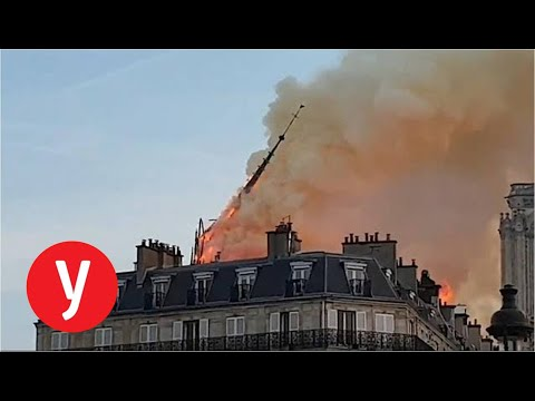 תיעוד קריסת הצריח של קתדרלת נוטרדאם בפריז