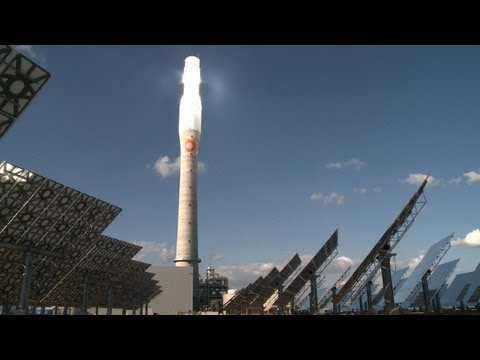 Solar power station in Spain works at night