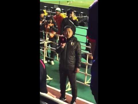 ◆悲報◆リオ五輪予選突破絶望のなでしこ佐々木則夫監督 敗戦後ゴール裏に向かってメガホンもって謝罪させられる(動画)