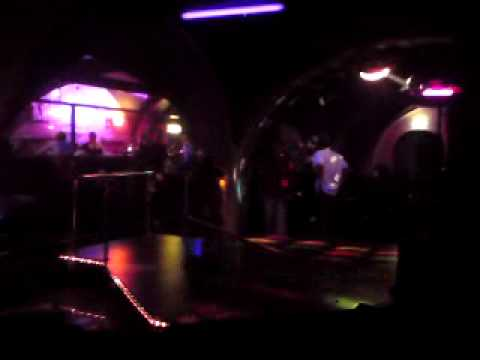 Stripperin Fällt Mit Stange Um, Strip-girl Falls video