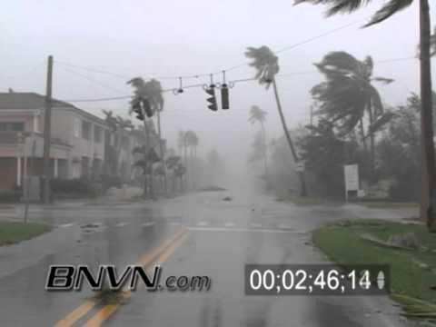 Hurricane Wilma Video - 10/24/2005 - Naples Florida - Part 8