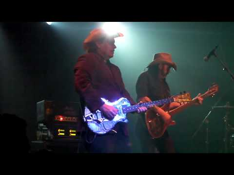 HEAD CAT - Suzy Q - Danny B. Harvey with James Trussart Guitar