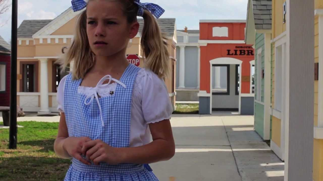 Quot The Wizard Of Oz Quot In American Sign Language Youtube