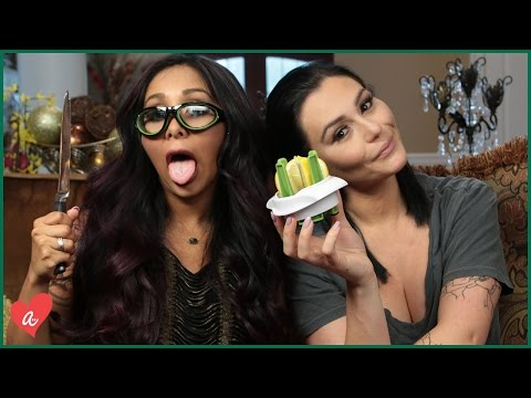 Snooki & JWOWW Guess Weird Kitchen Gadgets! | #MomsWithAttitude Moment