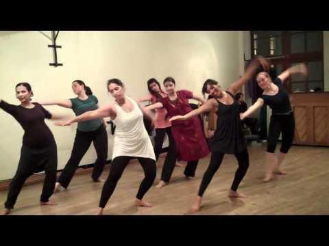 BollywoodBhangra Course with Minila Shah - Gal Meethi Meethi...