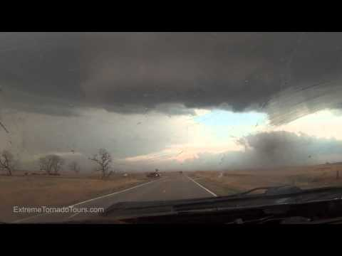 NEW: Dominator 4 versus Supercell in southern Kansas, April 1, 2014
