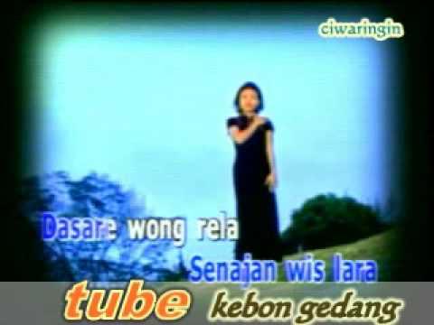 download lagu Demi Cinta Iwi S gratis