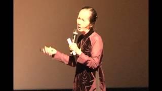 Từ lũy tre làng vươn ra thế giới - Phạm Chi Lan