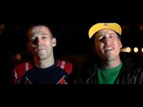 ILL BAMBINOS - GORRAS Y BELLOTAS feat JU'NDK [VIDEOCLIP OFICIAL 2011]