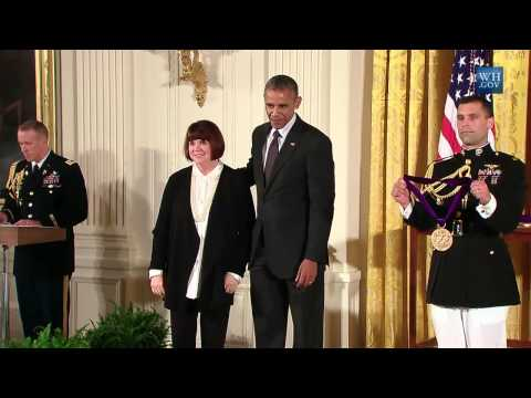 Linda Ronstadt Awarded National Medal Of Arts At White House