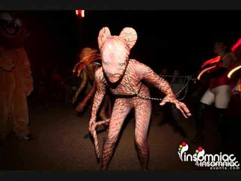 escape halloween costumes