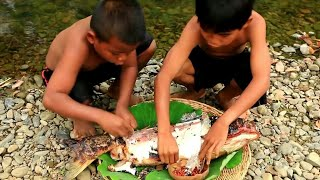 Primitive Technology- Eat Fish In forest -12