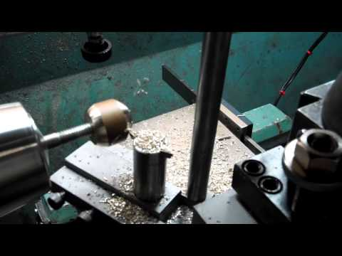 Radius turning tool for metal lathe