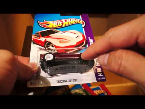 2013 Hot Wheels B case - SUPER TREASURE HUNT - CORVETTE (Little red corvette) - mini review