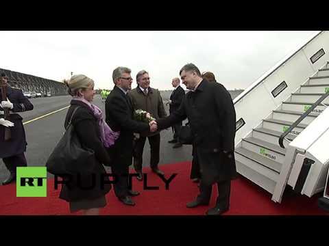 Germany: Poroshenko jets into Germany for Merkel meeting