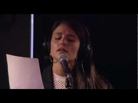 Jessie Ware - Diamonds (Live Lounge)