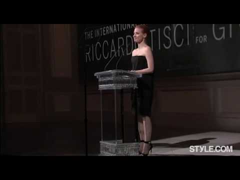 Jessica Chastain presenting at the 2013 CFDA awards