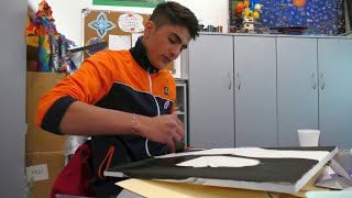 The teenager Noman from Afghanistan discovered his artistic talent in Bihać