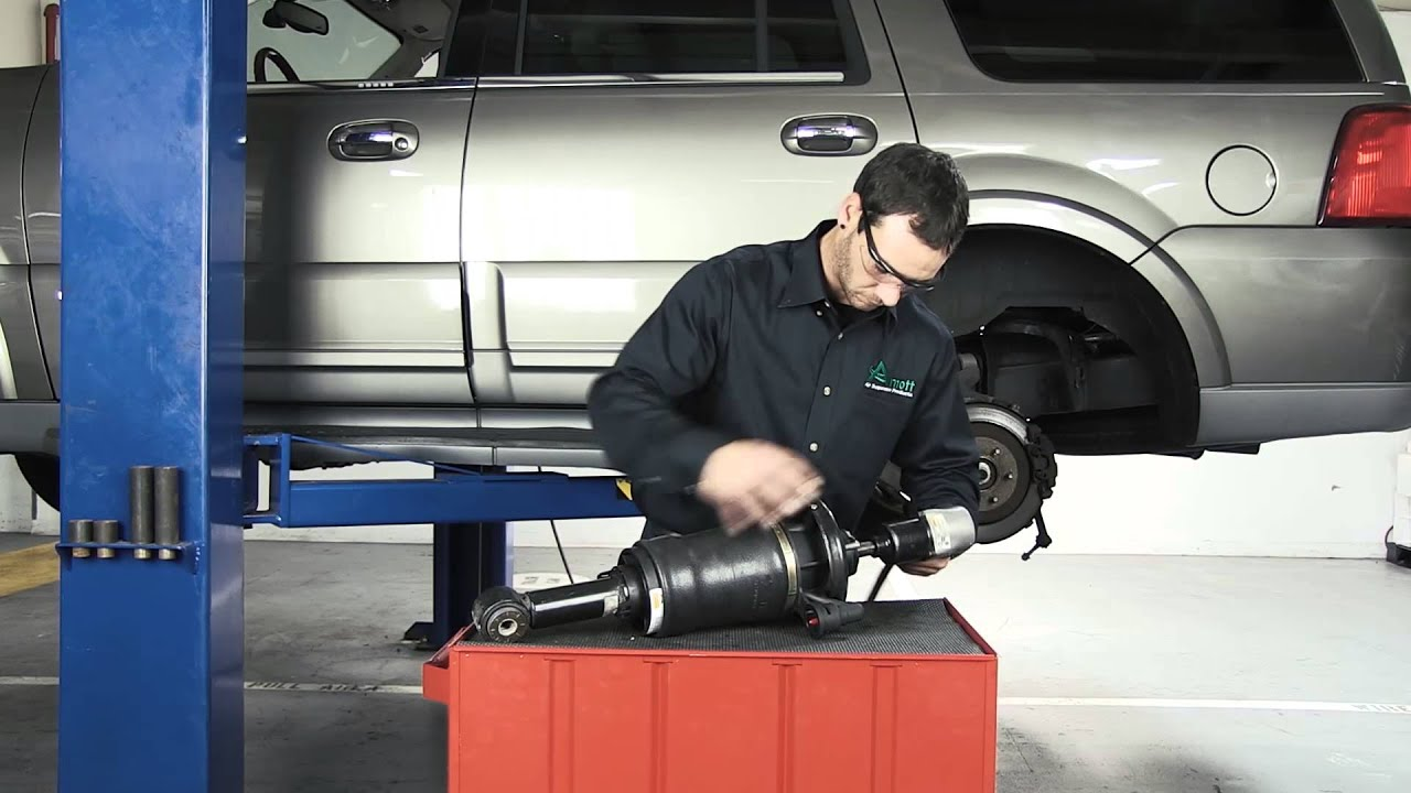 How to replace a rear air spring on the 2003 2006 ford expedition lincoln navigator youtube