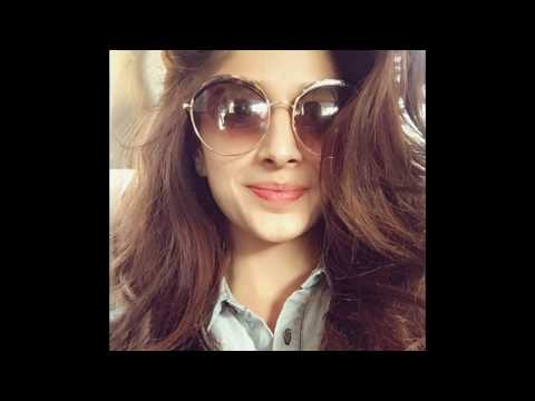 download lagu Maya Ali Vs Mawra Hocane Dance And Fashion 2017 gratis