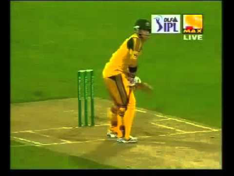 shane bond vs david warner.avi