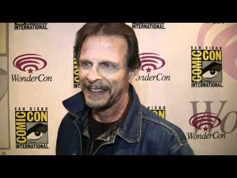 Marc Singer Spills on V Season 3 and Beastmaster