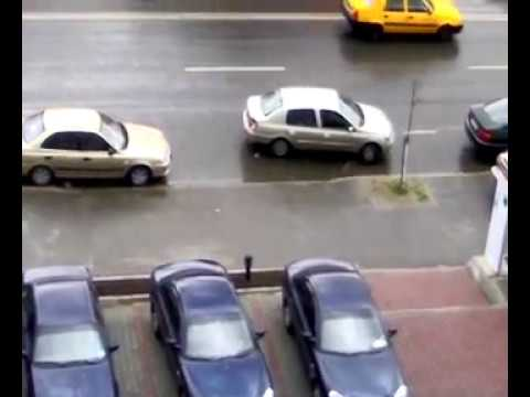 YES, its a woman! (parking fail)