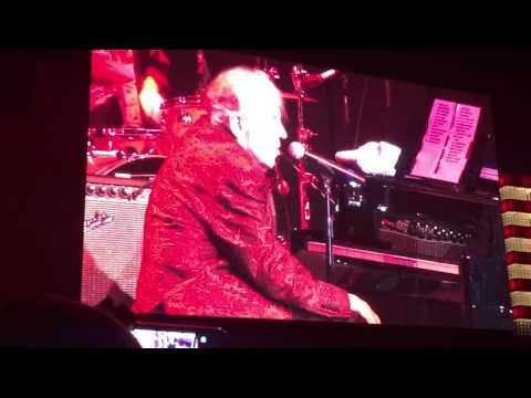 Jerry Lee Lewis Great Balls of Fire & Whole Lotta Shakin' Goin' On Golden Nugget January 2017