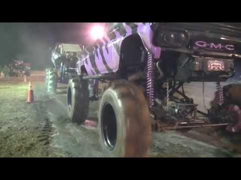 INSANE TUG ACTION @ TWITTY'S MUD BOG!!