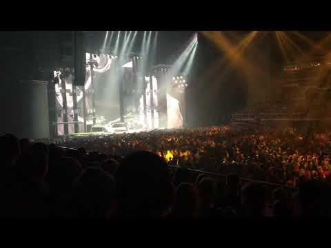 Ákos - Felemel (live)