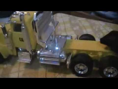 peterbilt 389 norscot Cat 1:50 scale