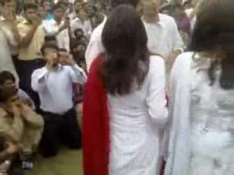 Dancing Girls Of Numl On Basant Fastibal2008 - Desi Videos video