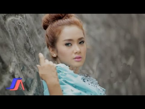 Pernikahan Dini - Cita Citata (Official Music Video)