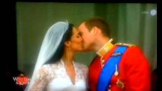 William and Kate The Real Kiss 29.4.2011- Royal Wedding