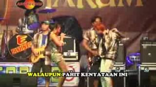 download lagu Tari Yushinta - Air Mata Dihari Persandingan   gratis