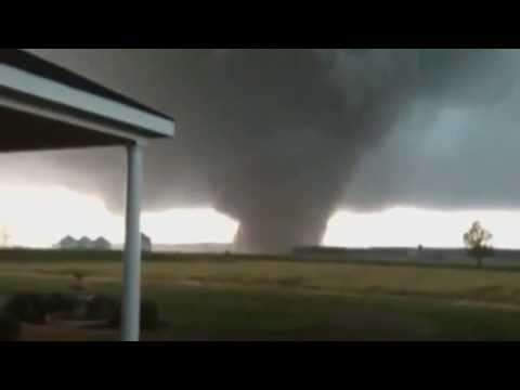 Tornado Hits Mississippi -  11 April 2013