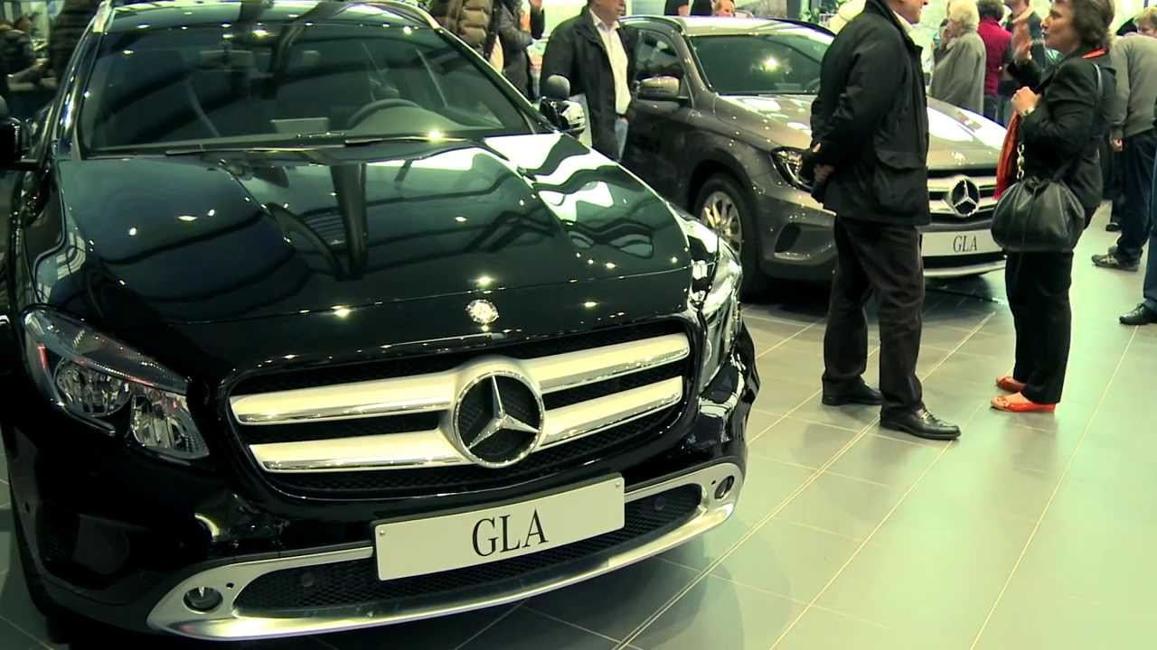 premiere der mercedes benz gla neuen c klasse in n rnberg youtube. Black Bedroom Furniture Sets. Home Design Ideas