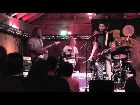 Guthrie Govan Plays With Paul Gilbert!! Full Video! 2013 video