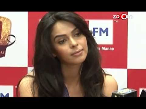 Mallika Sherawat Loses A Film To Sunny Leone video