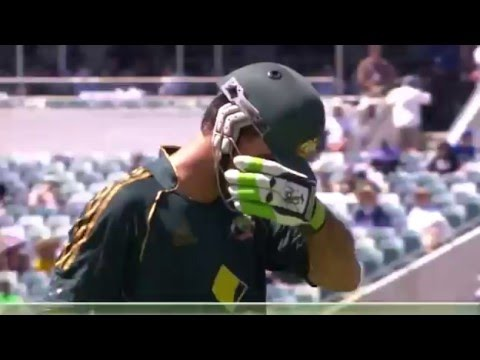 Afridi vs Ponting, fails to spin again, but WTF wicketkeeping??