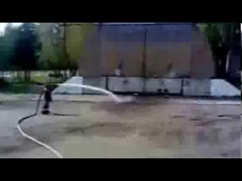 Пожарные мочат приколы! Юмора у них не отнять!:)